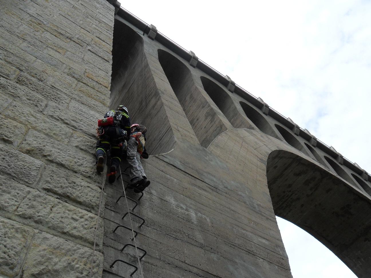 Prohlížíte si fotogarerii k článku Železniční viadukt Krnsko